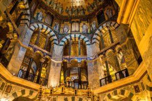 Wnętrze katedry w Akwizgranie