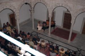 Monika Del Rio podczas koncertu w pałacu barona Erlangera; Foto: Roger Del Rio