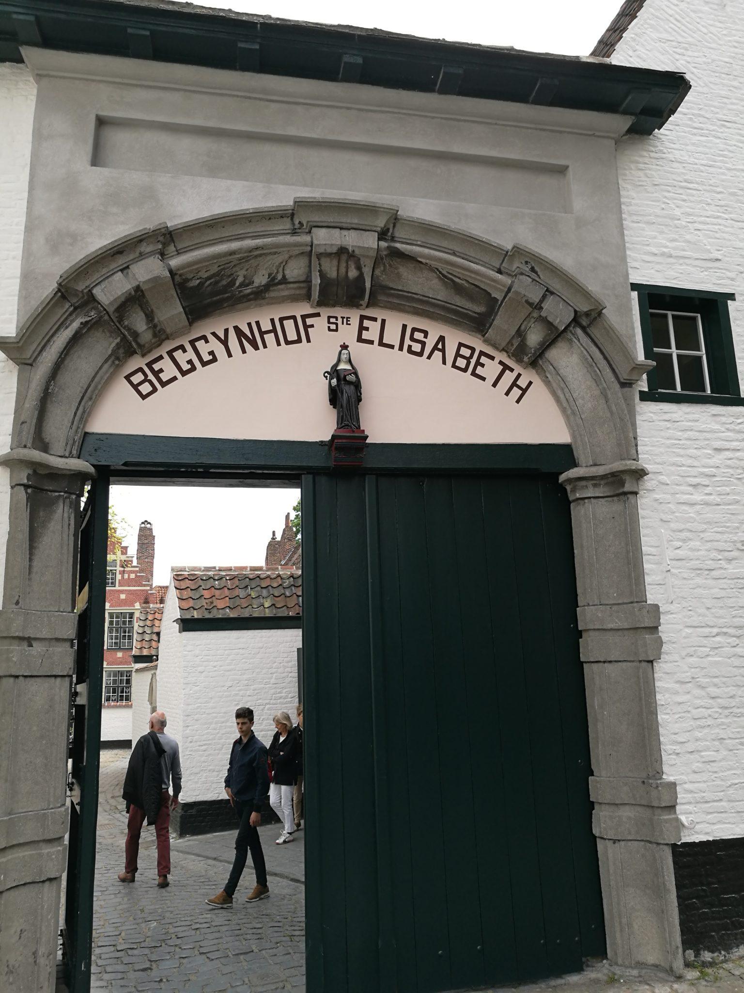 Wejście do beginażu w Kortrijk
