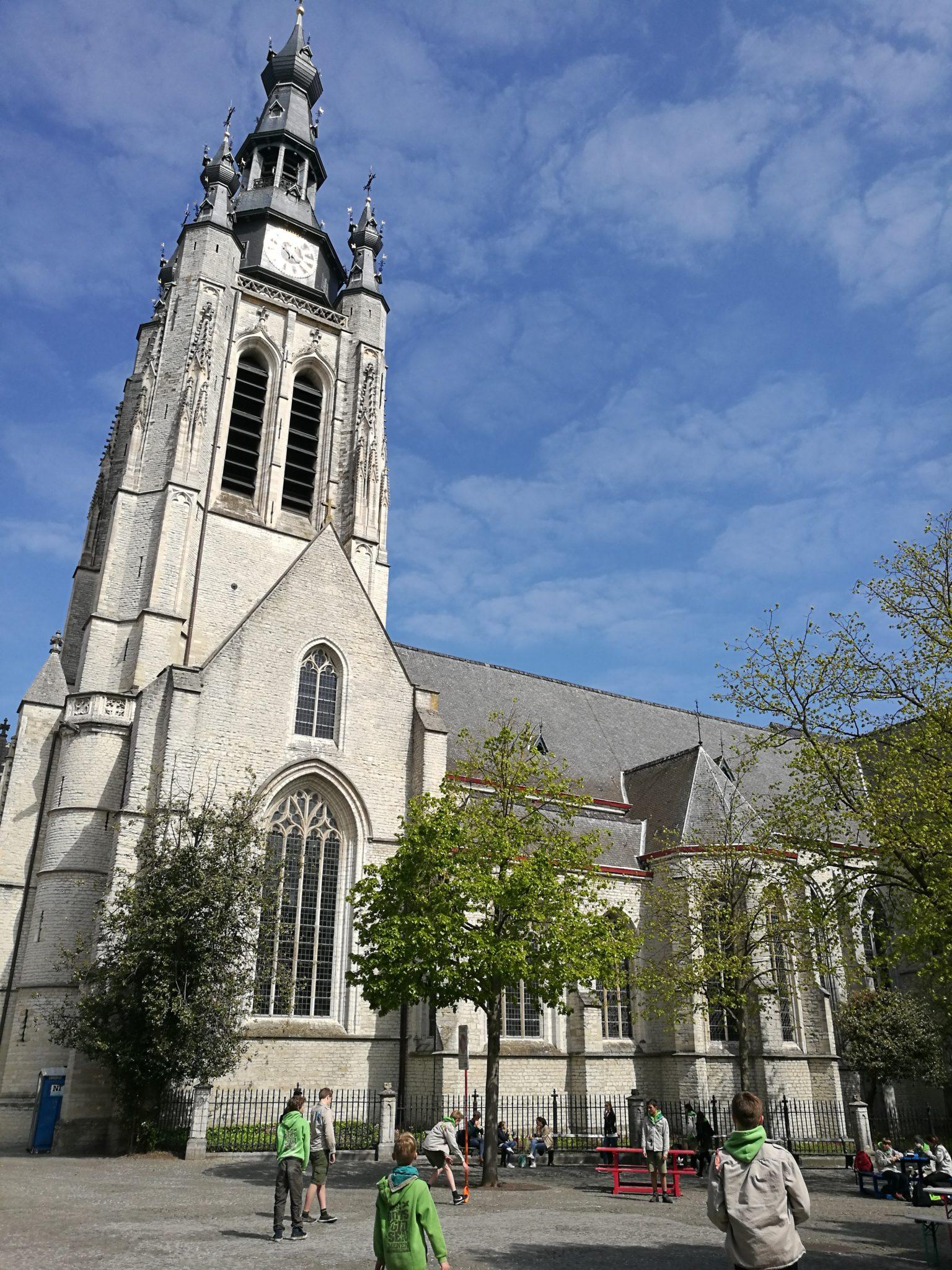Sint-Maartenskerk (kościół Św. Marcina) w Kotrtrijk