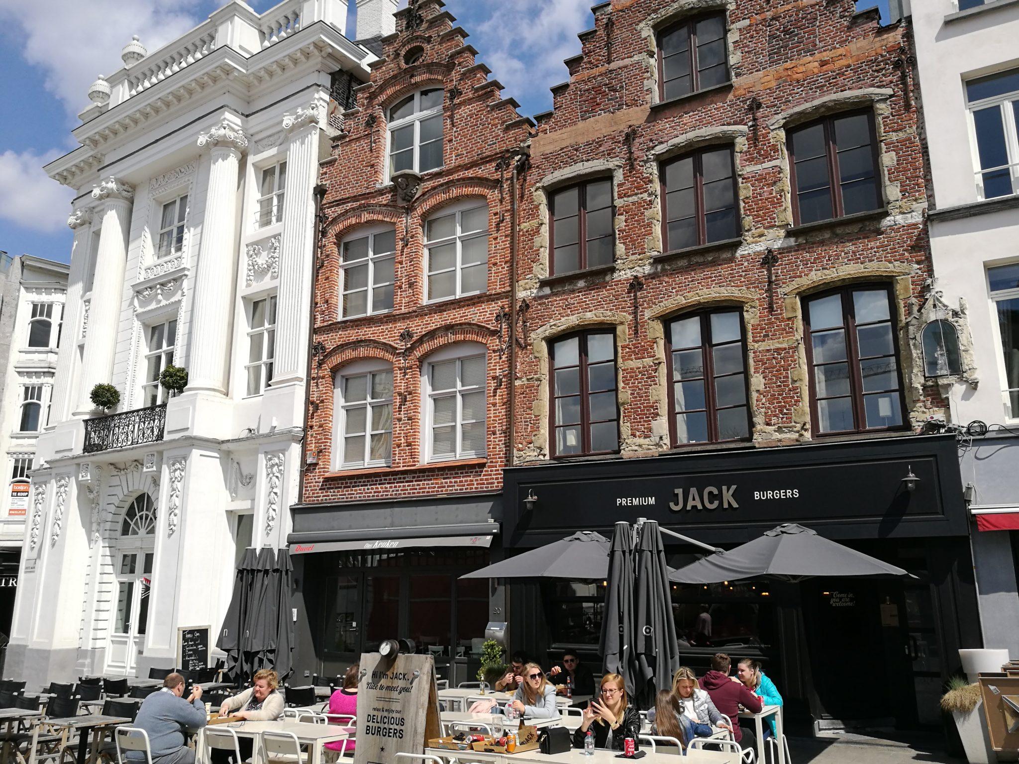 Kamieniczki w Kortrijk