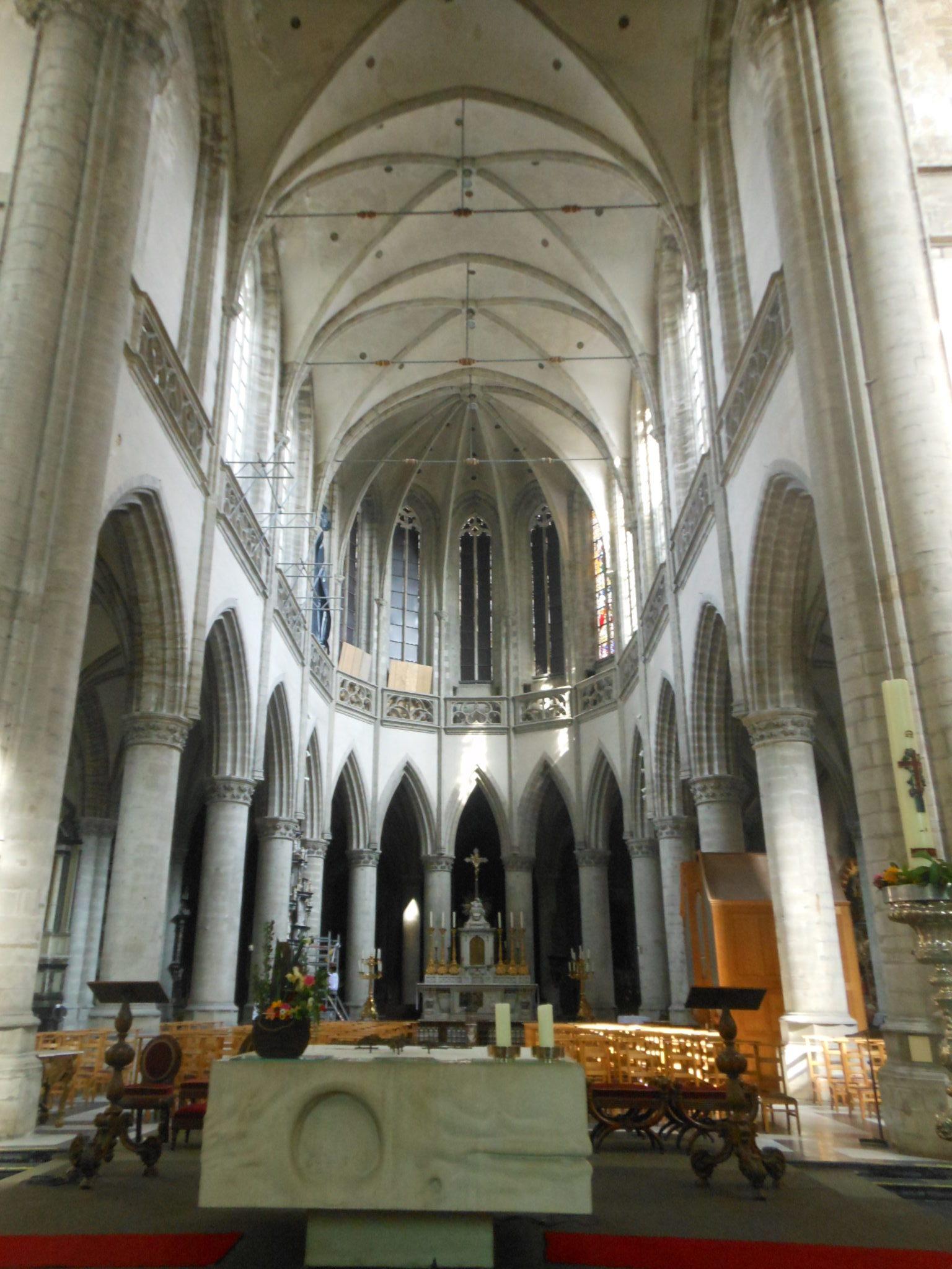 Aalst - wnętrze kolegiaty św. Marcina