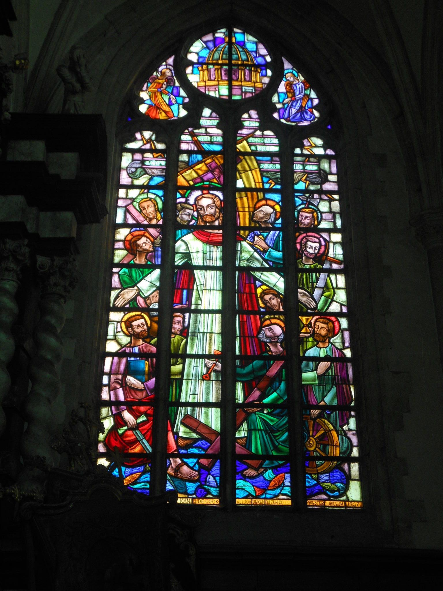 Aalst - witraże w kolegiacie św. Marcina