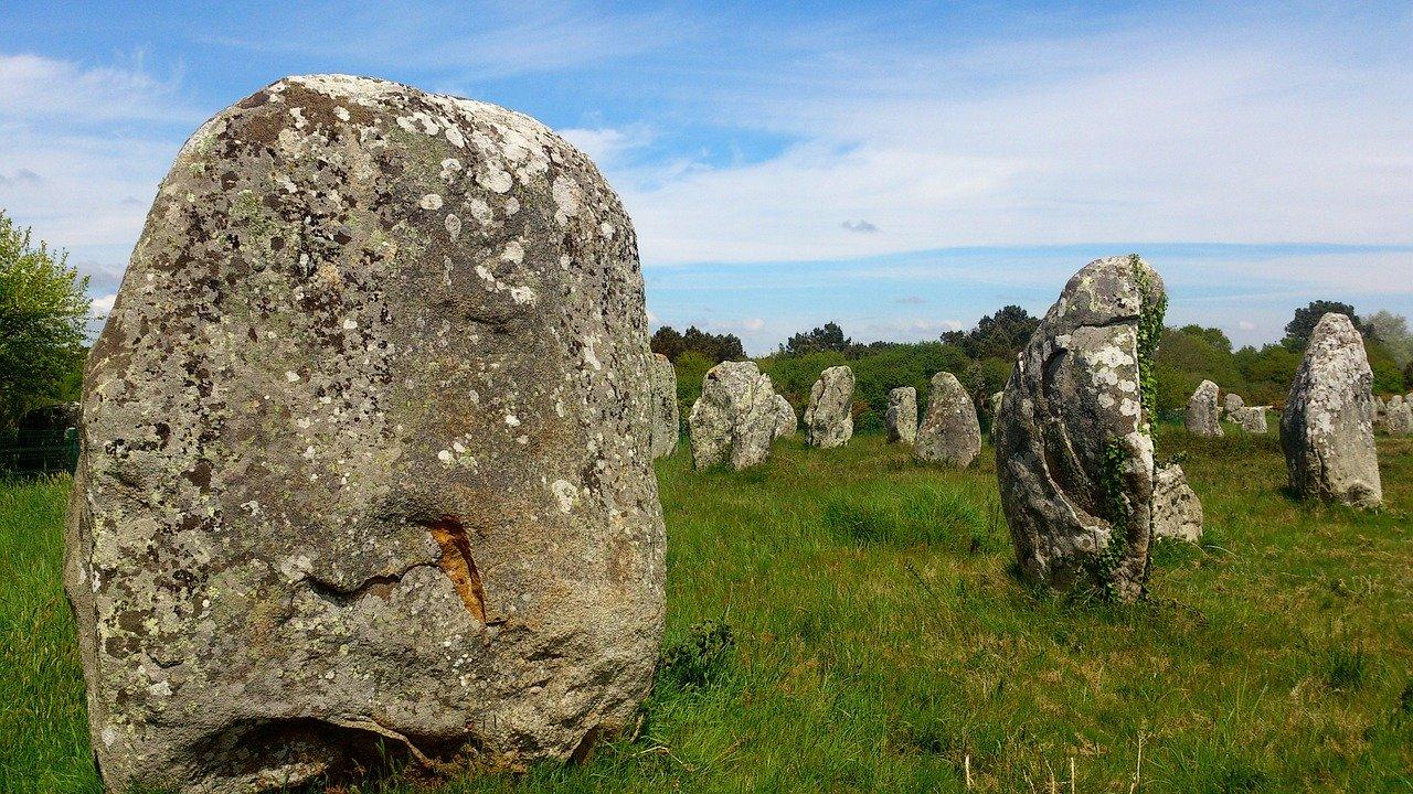 carnac-stones-525066_1280