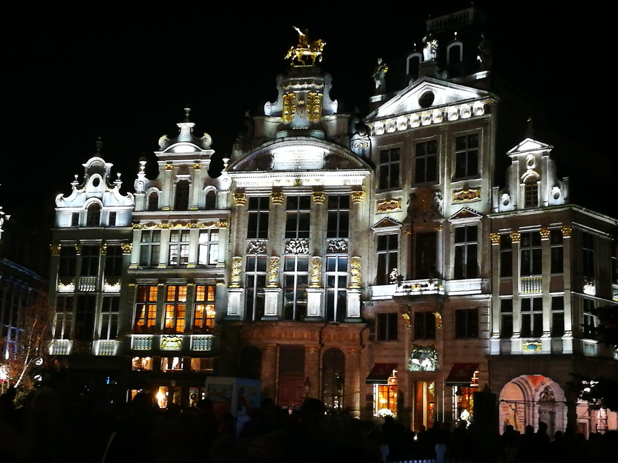 Brukselski Grand Place nocą