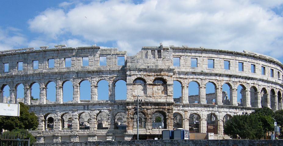 amphitheater-261115__480