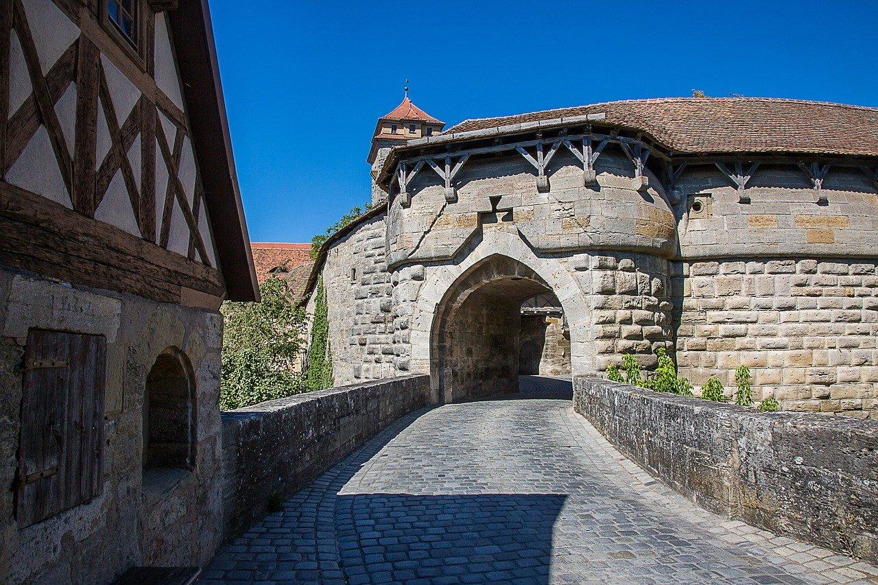 rothenburg-of-the-deaf-1624660_1280